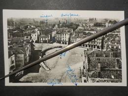 33 - Bazas - Carte Photo - Place Du Gal De Gaule ( Pétain )   - Renaud Buzaud Et Cie N° 11  - BE - 1945 - Pas Commune - - Bazas