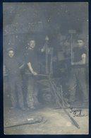 Cpa Carte Photo Atelier De Forges Forgeron  DEC19-27 - Artisanat