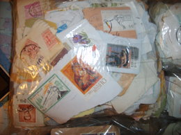 Liquidation Vrac Milliers Monde Sur Fragment Toutes époques Dans Boite En Carton 2Kg650 - Voir Description - Stamps