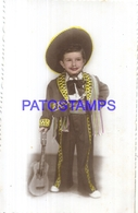 127354 REAL PHOTO COSTUMES CARNIVAL DESGUISE MEXICAN WITH GUITAR NO POSTAL POSTCARD - Photographs