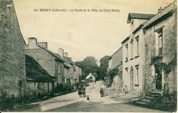 Nozay  La Route De La Ville Au Vieux Bourg   Cpa - France