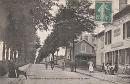 CPA:TOURNAN (77) HOMME TABLIER BLANC HÔTEL DE LA GARE ATTELAGE ROUTE DE GRETZ...ÉCRITE - Francia