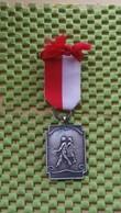 Medaille :Netherlands  -  N . H . J. Woeden 23-5-1959 - 10-15-20 Km.  / Vintage Medal - Walking Association - Nederland