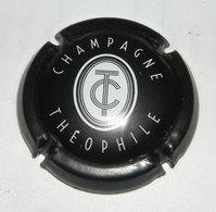Capsule Champagne Roederer, Cuvée Théophile, Blanc Sur Noir - Champagne