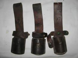 Lot 3x Porte Baïonnette En Cuir Pour Baïonnette Mauser - Knives/Swords