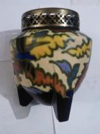 ASSIETTE ---  AVION  --  RAVITAILLEMENT D' UN ISOLE  Par  MARCEL JEANJEAN - Ceramics & Pottery
