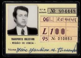 Portugal, PASSE 1995 - Transportes Colectivos Região Lisboa / Avec Vignette Mensuell - Abonnements Hebdomadaires & Mensuels