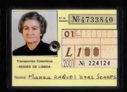 Portugal, PASSE 2001 - Transportes Colectivos Região Lisboa / Avec Vignette Mensuell - Abonnements Hebdomadaires & Mensuels