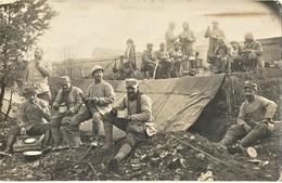 CARTE PHOTO FRANÇAISE - POILUS DU 408e RI EN CANTONNEMENT PRES DE COMPIEGNE - OISE - GUERRE 1914 1918 - 1914-18