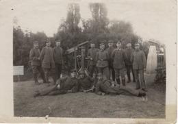 Foto- Keine AK Vom Frankreich -feldzug Feldzug Blitzkrieg 1939-40 2. WK - Gruppenfoto Mit Maschinengewehren - Fotografie