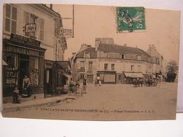 CPA 78 YVELINES CONFLANS SAINTE HONORINE PLACE FOUILLERE LIBRAIRIE BUVETTE CHARCUTERIE CAFE ANIMEE 655 - Conflans Saint Honorine