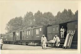 CARTE PHOTO FRANÇAISE - TRAIN SANITAIRE A RETHONDES PRES DE COMPIEGNE - OISE - GUERRE 1914 1918 - 1914-18