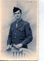 Grande Photo D'un Soldat Francais élégant  Posant Dans Un Studio Photo - War, Military