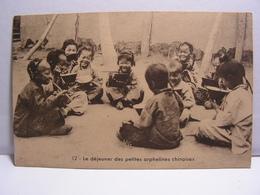 CPA LE DEJEUNER DES PETITES ORPHELINES CHINOISES 688 - China