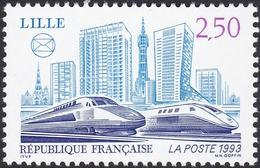 FRANCE, 1993, TGV Et Batiments (Yvert 2811 ) - France