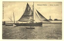 A1368[Postkaart] Nieuport-Bains - Retour De Pêche (Nels) [Nieuwpoort Bad Vissersboot Visser Roeiboot Visvangst] - Nieuwpoort