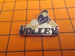 2119 Pin's Pins / Beau Et Rare / Thème SPORTS / VOLLEY-BALL - Voleibol