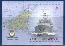 Guernsey, Yv BF 51, Cartographie + Navire Patrouilleur De La Royal Navy ** - Géographie