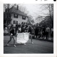 Photo Carrée Originale USA - Défilé De Majorettes Nancy Bradforo - Brockton, Kingstone En Juin 1967 - Pin-up