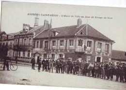 43  A61  CPA  ESTREES SAINT DENIS L'hôtel De Ville Un Jour De Tirage Au Sort TBE - Estrees Saint Denis