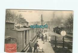 44 - PONT CHATEAU - La Gare Avec Son Train - Chemin De Fer - Pontchâteau
