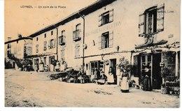 Saône Et Loire LEYNES Un Coin De La Place - Altri Comuni