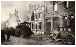 """Photo Béthune (62) - Train """"Maria"""" Devant Le Journal Régional """"L'Avenir De L'Artois"""". Années 30. - Eisenbahnen"""