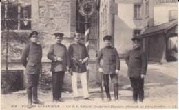 241. Environs De Géradmer.- Col De La  Schlucht- Gendarmes Et Douaniers Allemands Au Poteau- Frontière - LL (88. Vosges) - Gerardmer