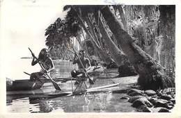 Polynésie Française-TAHITI Pirogue à Balancier -ETAT=voir Description (vahiné Année 1960) Editions -R.TILLET Tahiti  20 - Polynésie Française