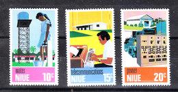 Niue  - 1976.Sviluppo Industriale: Energia Idraulica, Elettrica, Telecom. Industrial Development: Energy. MNH - Fabbriche E Imprese