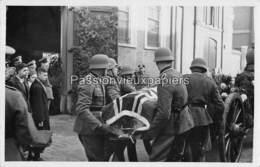 CARTE PHOTO ARNHEM 1940 BEGRAFENIS OBERLEUTNANT ERICH FISCHER - 7 - Arnhem