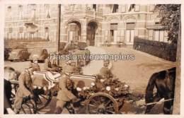 CARTE PHOTO ARNHEM 1940 BEGRAFENIS OBERLEUTNANT ERICH FISCHER - 2  SINT ELISABETHS GASTHUIS - Arnhem