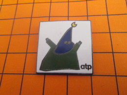 2119 Pin's Pins / Beau Et Rare / Thème AUTRES / PERE UBU ? ATP - Pin's