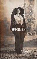 Photo Postcard Maltaise En Costume National - Malta - Malte