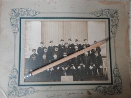 POMPIERS PHOTO ORIGINALE SUR CARTON  QUATRIEME COMPAGNIE MARINS POMPIERS  21 X 27 DEBUT 1900 - Photos