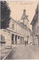 01. GEX. Place Du Marché Et Hôtel De Ville. 17 - Gex