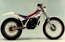 Fantic 303  +-22cm X 15cm  Moto MOTOCROSS MOTORCYCLE Douglas J Jackson Archive Of Motorcycles - Foto's