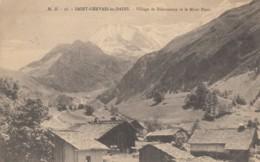 CPA - Bionnassay - Village De Bionnassay Et Le Mont Blanc - France
