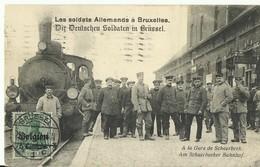 CP.Bruxelles-Schaerbeek - Les Soldats Allemands à Bruxelles A La Gare De Schaerbeek + Train - W0007 - Schaerbeek - Schaarbeek