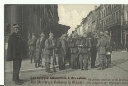 CP.Bruxelles-Schaerbeek - Les Soldats Allemands à Bruxelles - Un Groupe Dans La Rue De Brabant - W0010 - Schaerbeek - Schaarbeek