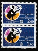 FRANCE   Année Mondiale Des Communications    Paire      N° Y&T  2260  ** - Neufs