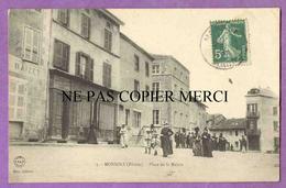 MONSOLS - Place De La Mairie - Femmes Elegantes - Modes Chapeaux - France