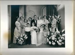 Belle Photo Mariés Avec Demoiselles D'honneur Enfants Et Jeunes Femmes Photographe G.Richard Paris - Personas Anónimos