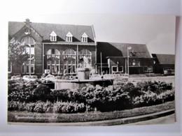HOLLAND - NOORD-BRABANT - ROOSENDAAL - Stationsplein - Roosendaal