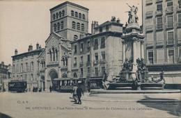 J12 - 38 - GRENOBLE - Isère - Place Notre Dame - Le Monument Du Centenaire Et La Cathédrale - Grenoble