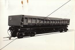 Photo Format CP Train Chemins De Fer Wagon Culbuteur 30T Pour URSS Russie Test Par Energie à Marcinelle - Eisenbahnen