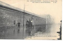 12/18      92    Crue De La Seine    Levallois-perret   Rue Fazillau  (animations) - Levallois Perret