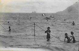 C.P.A. - FR.  [83] Var > Sablettes-les-Bains - La Baignade - Très Animée - Daté 1906 - TBE - Frankrijk