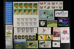 BIRDS  BOOKLETS ACCUMULATION - Modern Issues From Across The World, We See Falkland Islands, Sweden, Singapore, Ireland, - Timbres