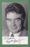 ALBERT FINNEY Original In Person Signed Photo AUTOGRAPHE / AUTOGRAMM  9/14 Cm - Autographes